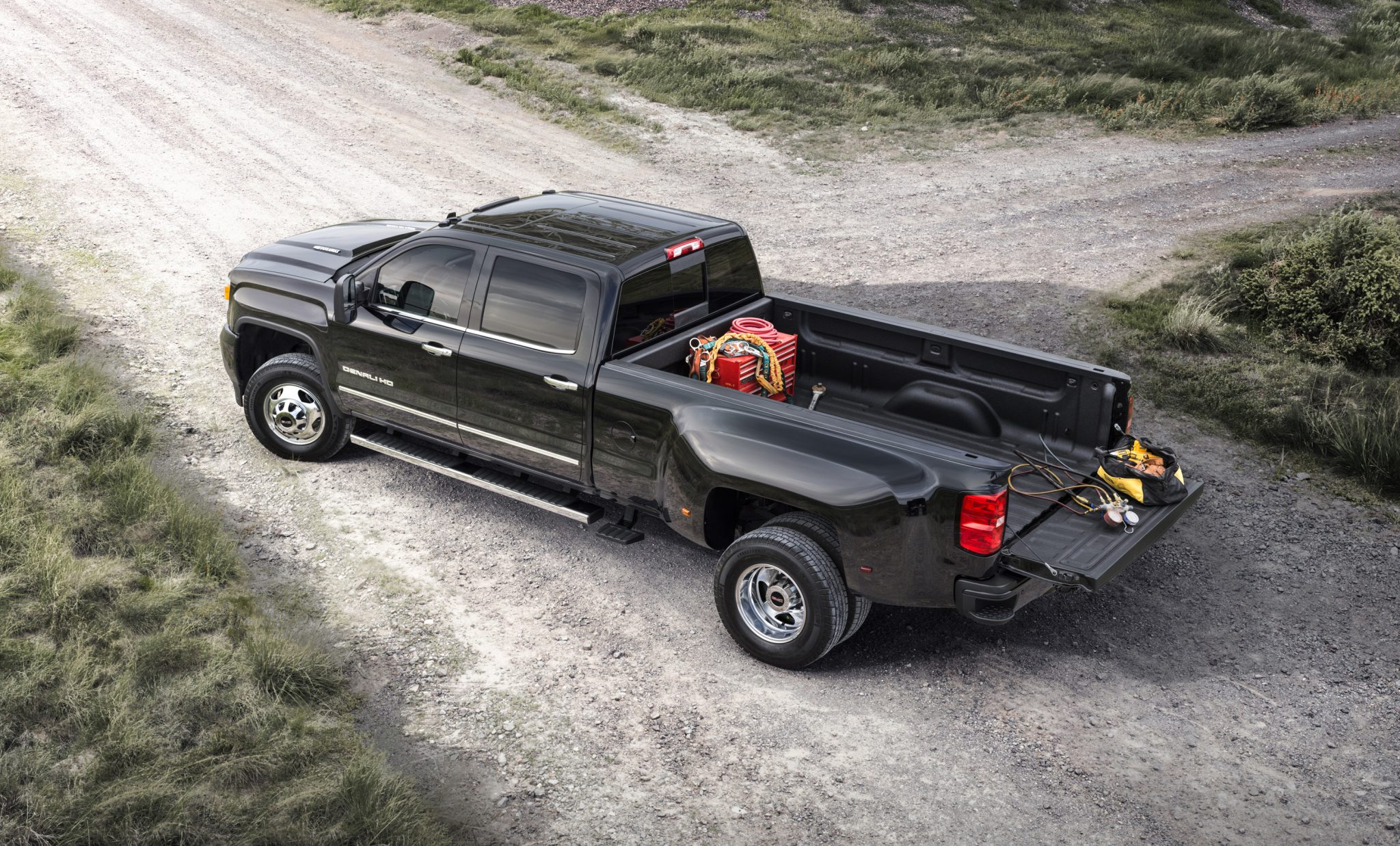 GM has released all the official 2015 GMC Sierra features.