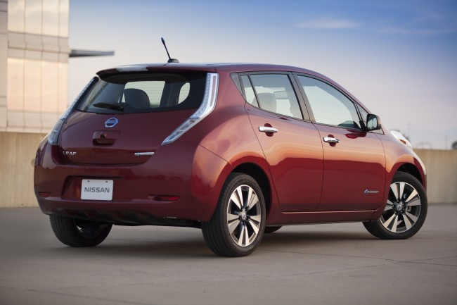 Nissan Brings No Charge to Charge to Chicago