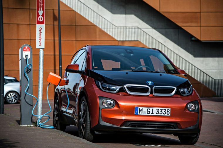 BMW i3 Outdoor Charging Red