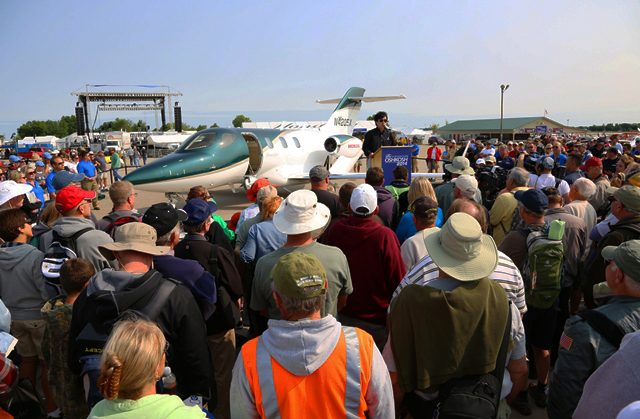HondaJet Makes Public Debut