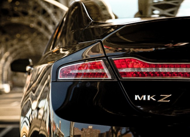 Lincoln 2014 MKZ Black Rear