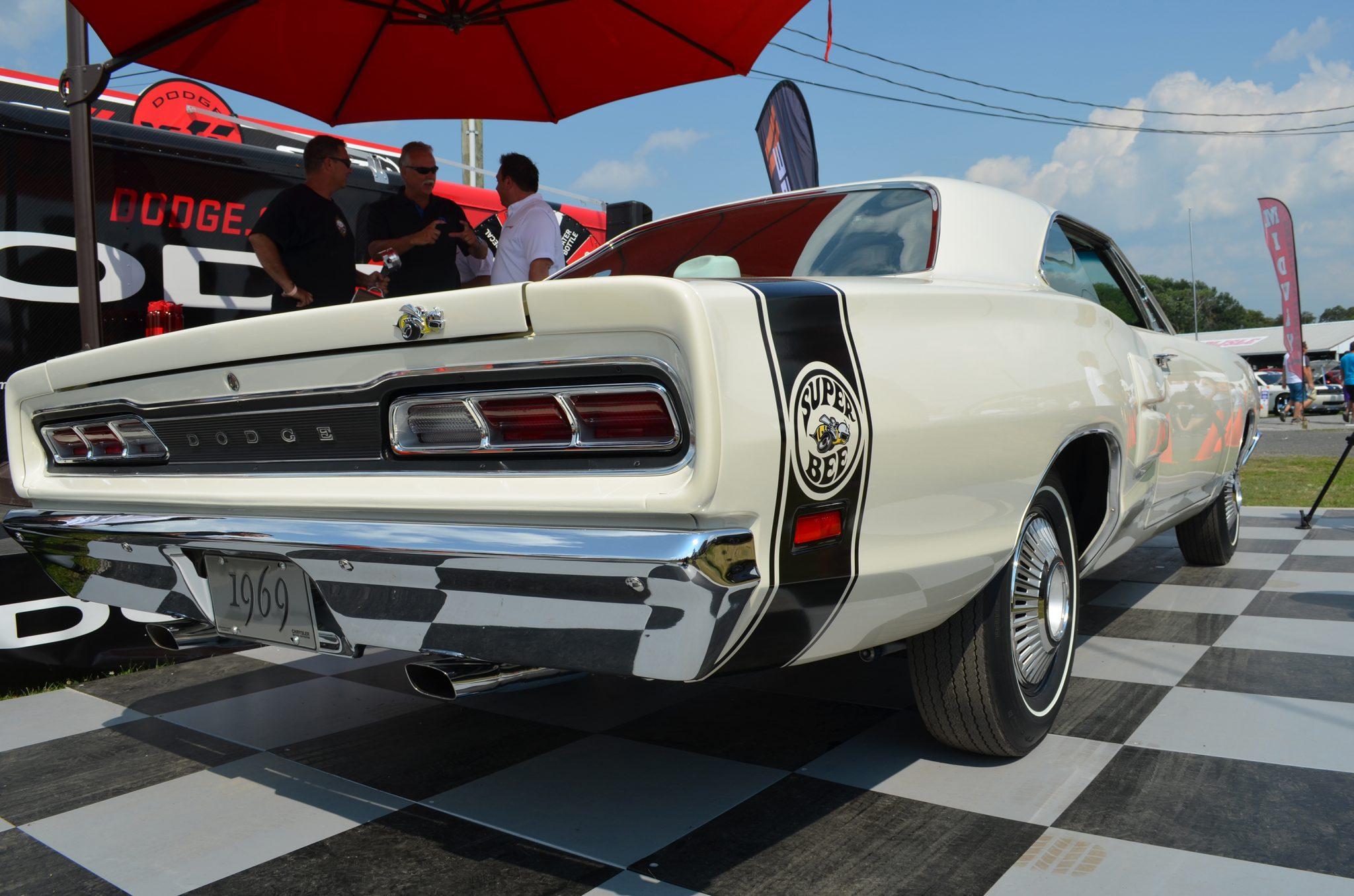 Top Eliminator HEMI Heritage winner Ron Dezsi's 1969 Dodge Super Bee