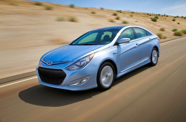 Hyundai Sales Report 2014 Hyundai Sonata Hybrid Light Blue Exterior Desert