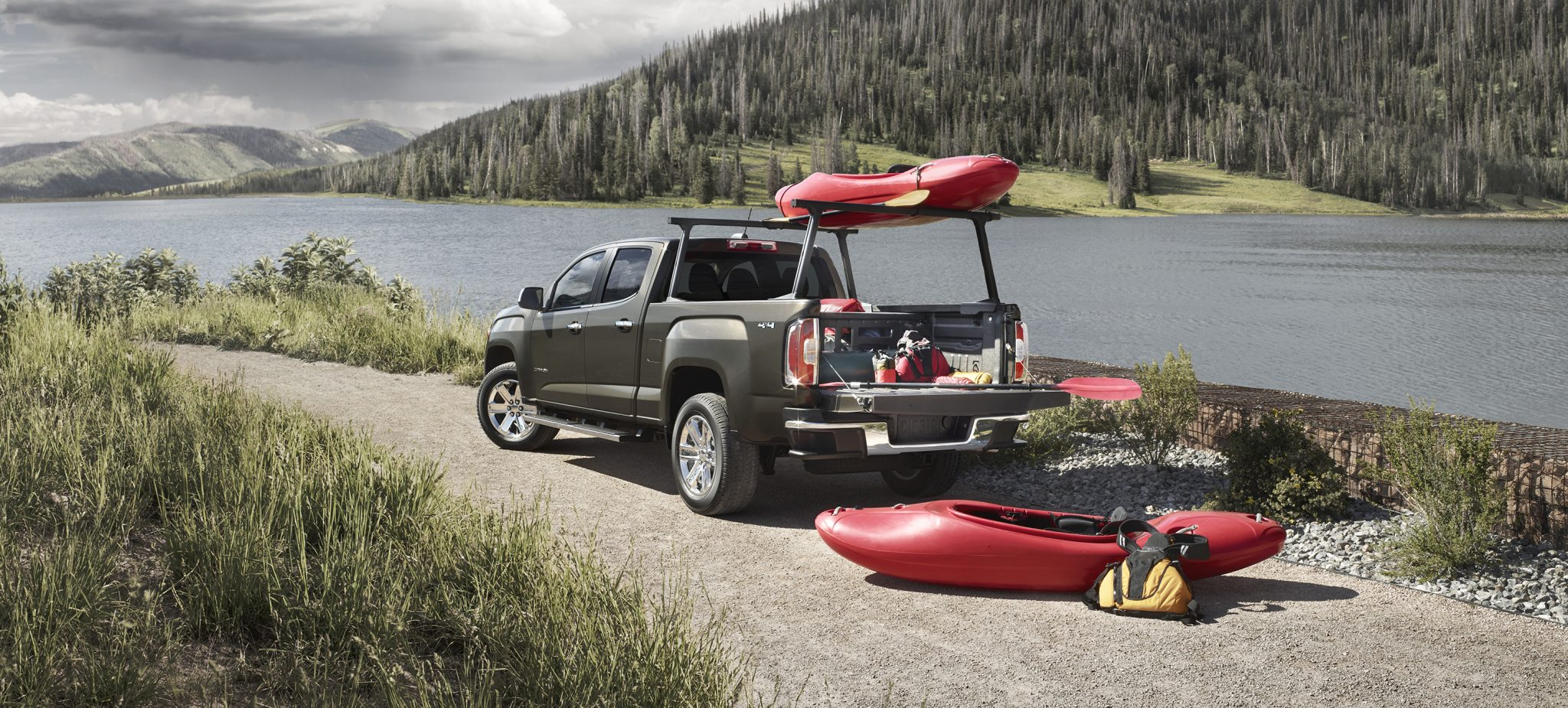 All the 2015 GMC Canyon Accessories, in a Nutshell | The News Wheel