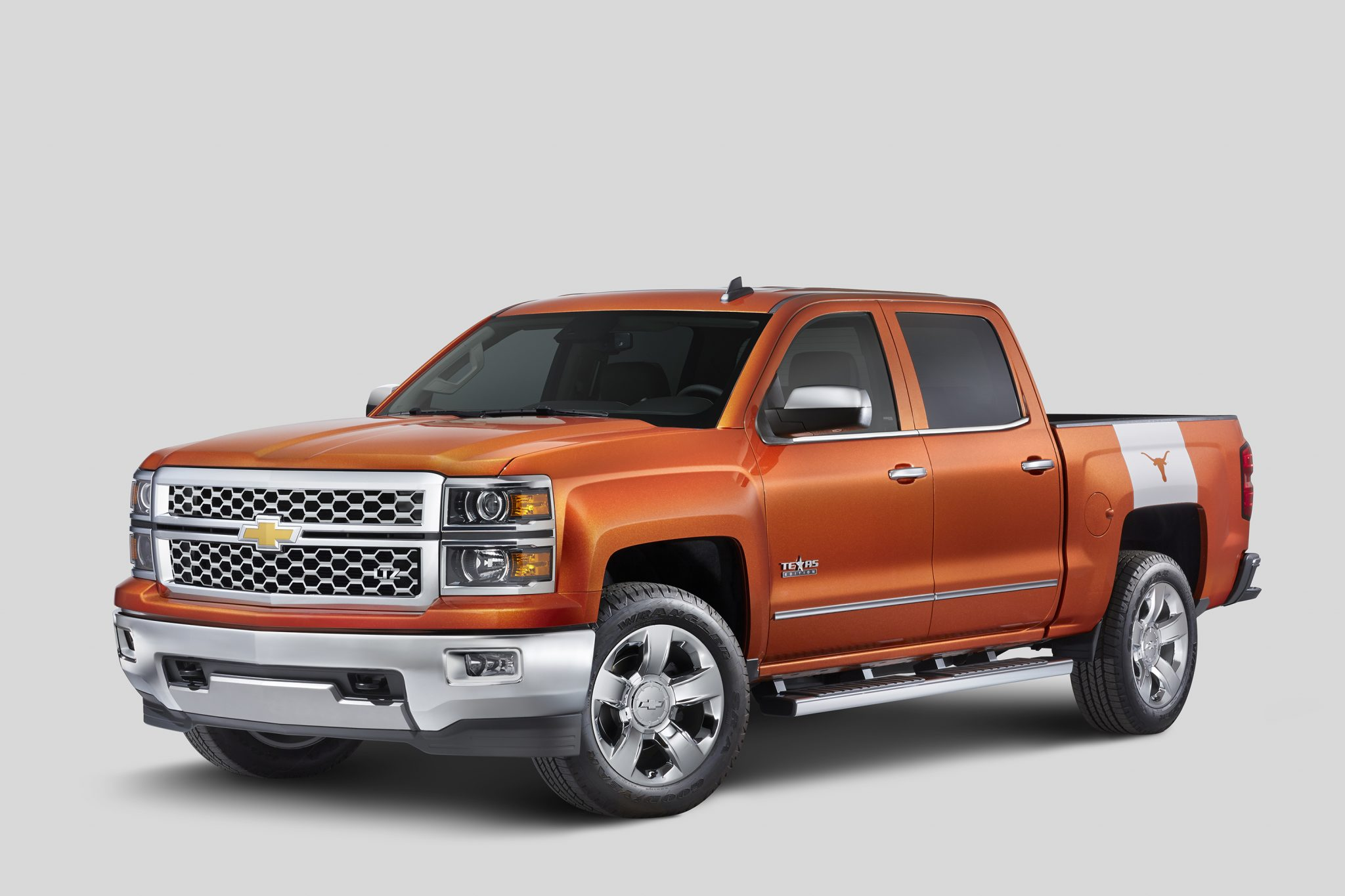 chevy reveals 2015 silverado university of texas edition the news wheel. Black Bedroom Furniture Sets. Home Design Ideas