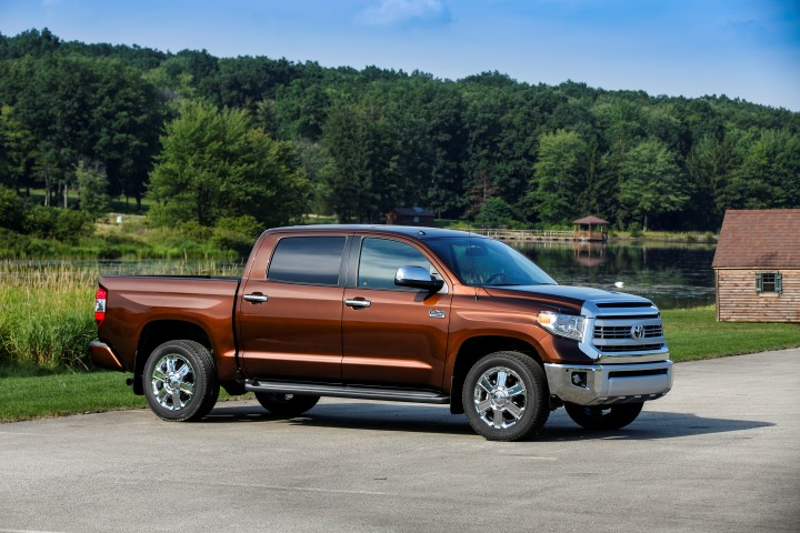Toyota Drops V6 Engine in Tundra