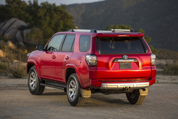 2015 toyota 4runner overview the news wheel. Black Bedroom Furniture Sets. Home Design Ideas