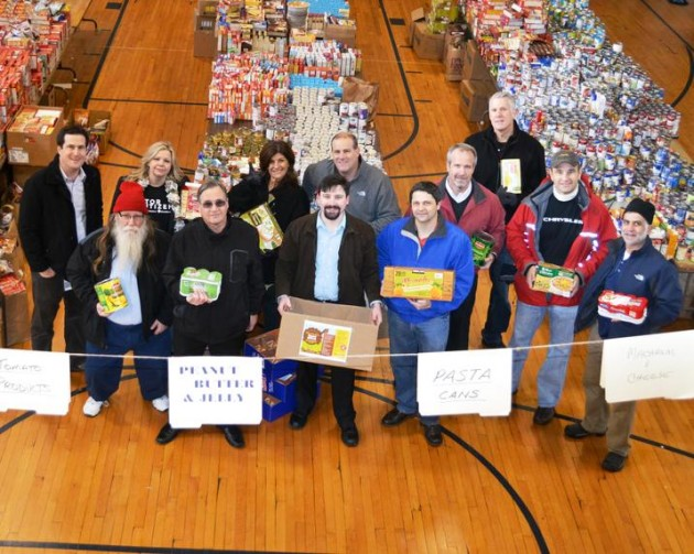 Chrysler Group's Thanksgiving Food Drive