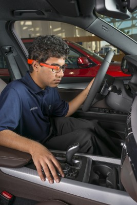 BMW Using Google Glass Inspection Test 1