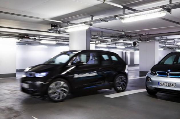 BMW's Remote Self-Parking Valet smartwatch car