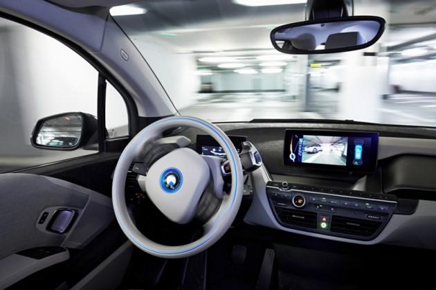BMW's Remote Self-Parking Valet smartwatch car itnerior