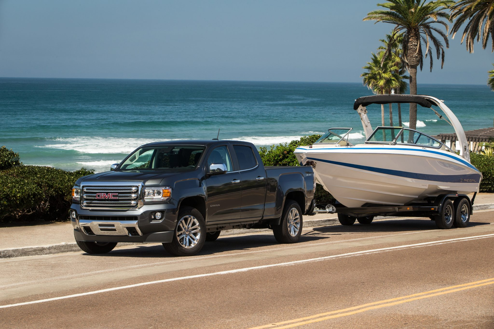 gmc canyon is the autoweek best of the best truck for 2015 the news wheel. Black Bedroom Furniture Sets. Home Design Ideas