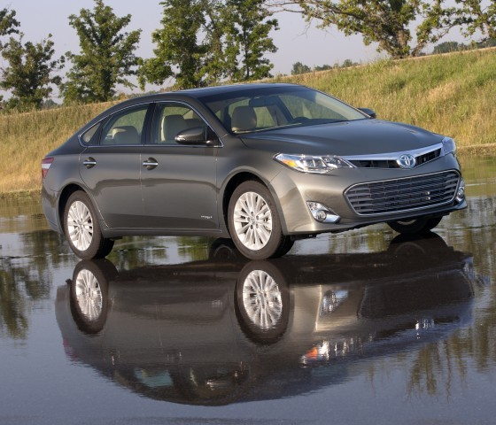 2015 toyota avalon hybrid tops worry free index list the news wheel. Black Bedroom Furniture Sets. Home Design Ideas