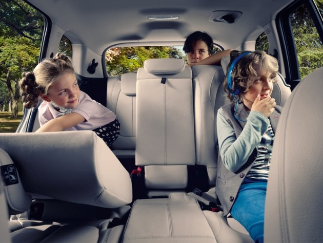 2016 BMW 2-Series Gran Tourer children kids in back seat