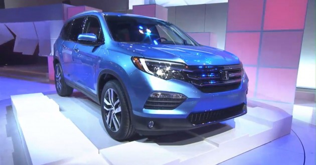 2016 Honda Pilot SUV Debut at Chicago Auto Show