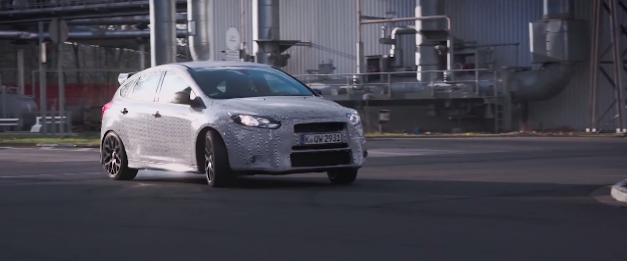 Ford Focus RS hooning
