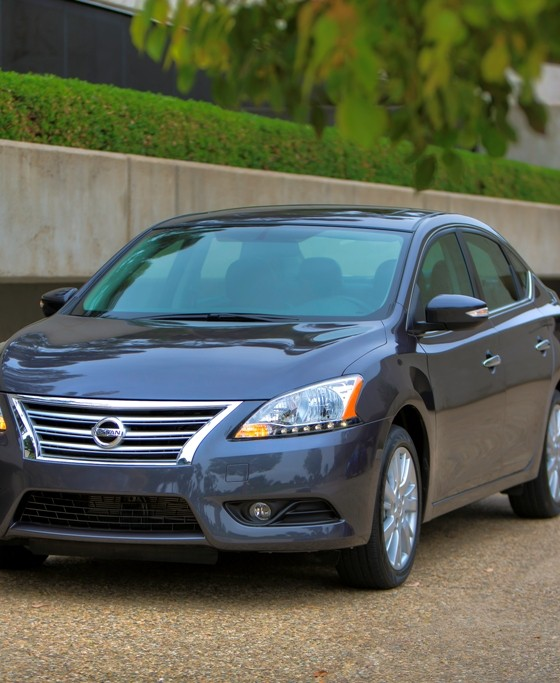 2015 nissan sentra earns iihs top safety pick the news wheel. Black Bedroom Furniture Sets. Home Design Ideas