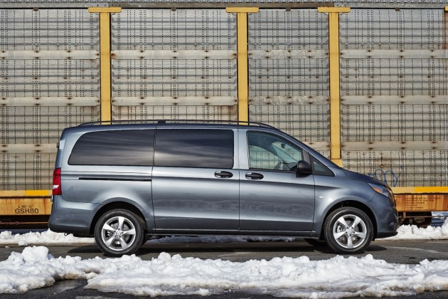 2016 Mercedes-Benz Metris midsize commercial van