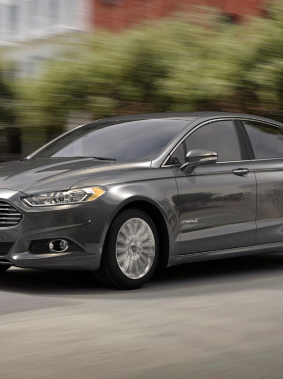 2015 ford fusion hybrid wins us news world report 39 s best hybrid car for families the news wheel. Black Bedroom Furniture Sets. Home Design Ideas