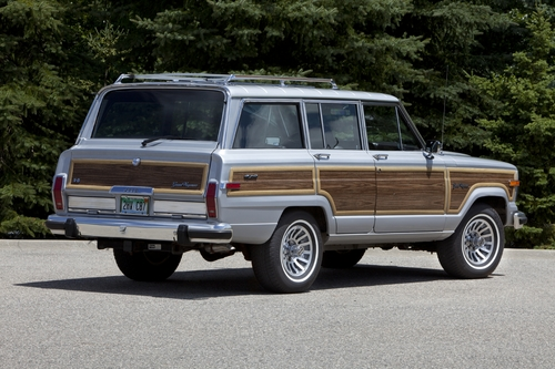 1989 Jeep Grand Wagoneer | 2018 Jeep Grand Wagoneer to be shown to dealers in Vegas