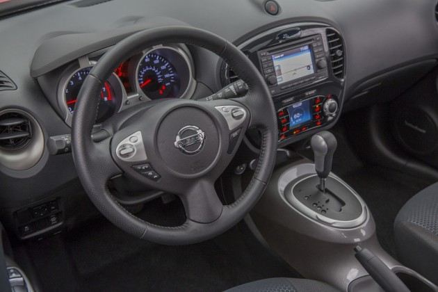 2015 Nissan Juke interior