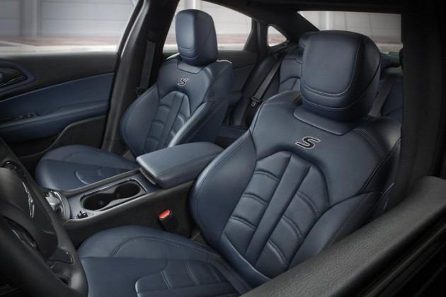 2015 Chrysler 200 Interior Color: Ambassador Blue