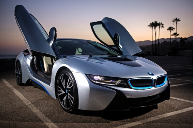 Charmant BMW I8 World Green Car