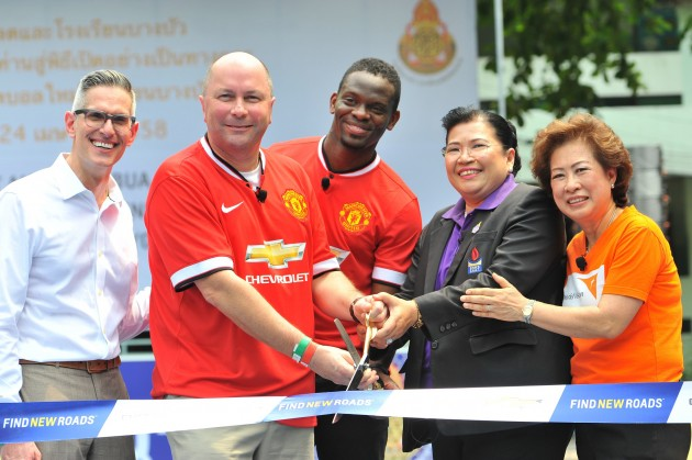 Manchester United Legend Louis Saha (center) attended the pitch opening ceremony at the Bang Bua School in Bangkok, Thailand