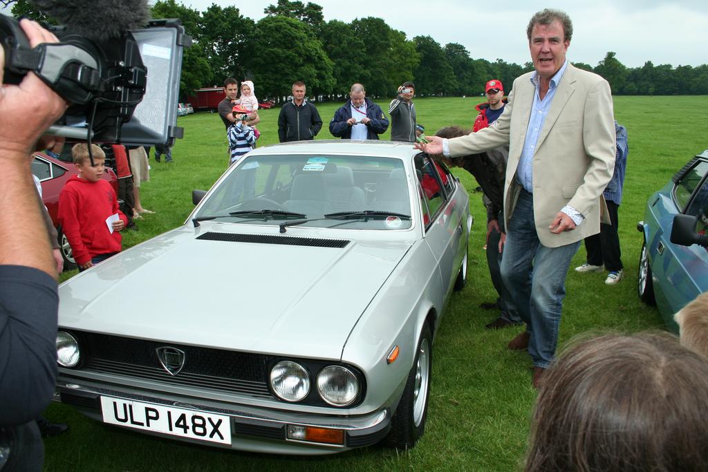 Jeremy Clarkson Cars: Jeremy Clarkson Belittles UK Manual Transmission Drivers