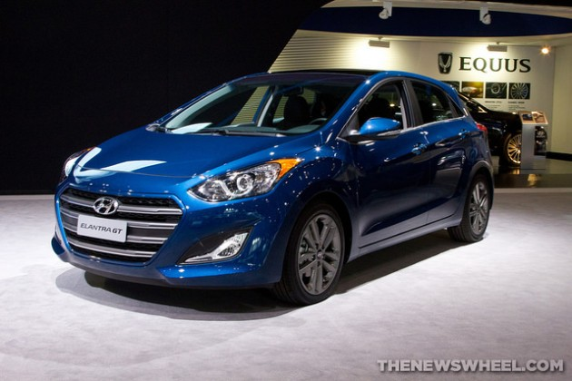 blue 2016 Hyundai Elantra GT at 2015 Chicago Auto Show