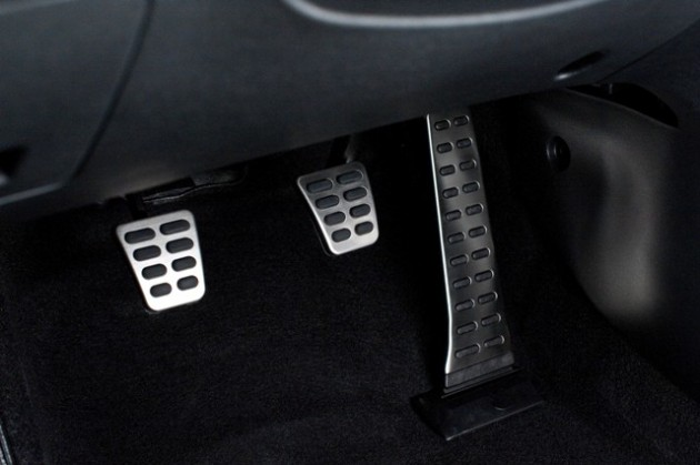 2015 Hyundai Veloster Overview pedals
