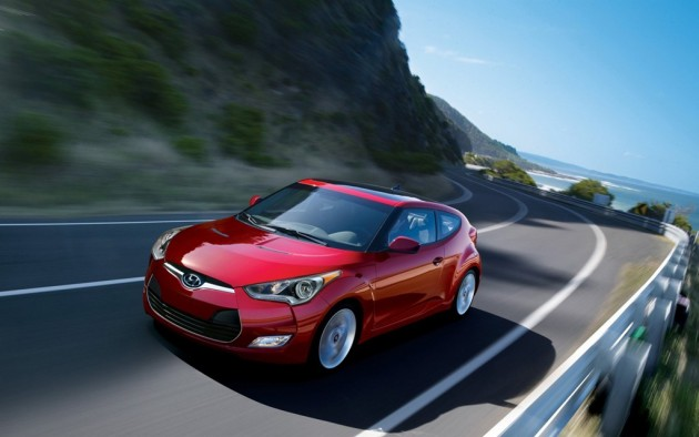 2015 Hyundai Veloster Overview red exterior