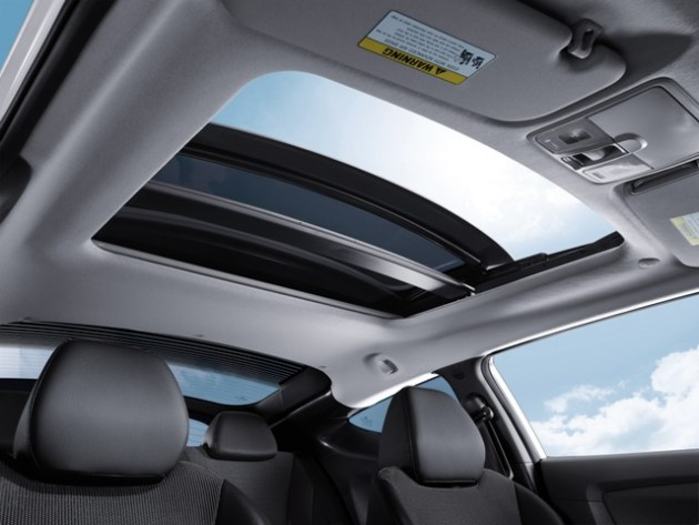 2015 Hyundai Veloster Overview sun roof interior