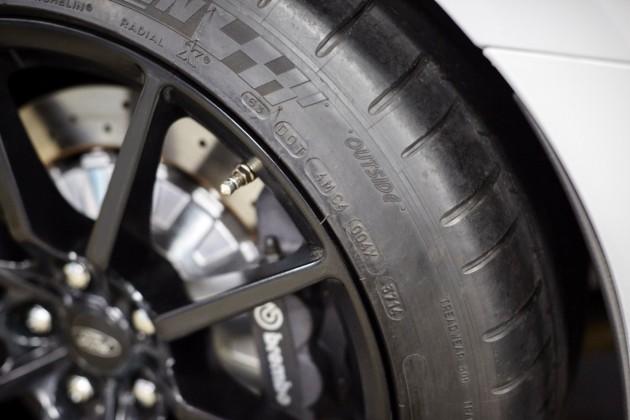 Mustang GT350 tire