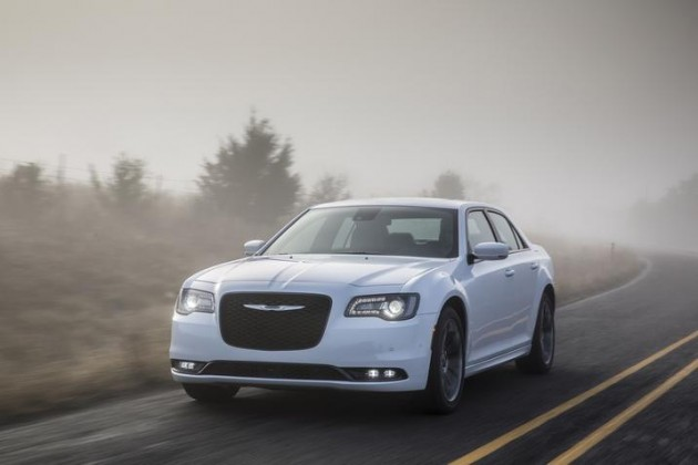 2015 Chrysler 300 performance