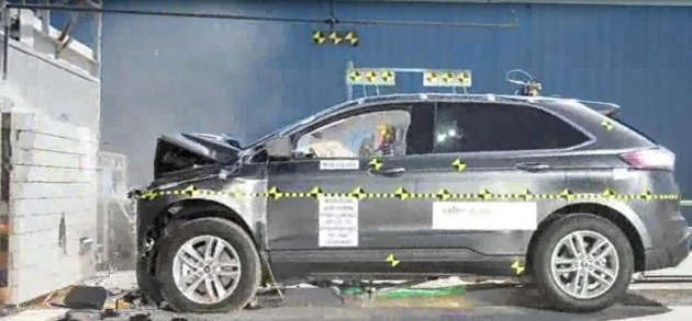 2015 Edge Crash Test