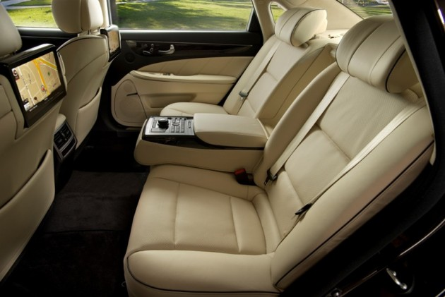 2015 Hyundai Equus overview luxury rear seat interior