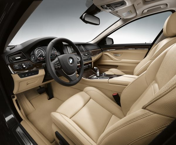 2015 BMW 5 Series Interior