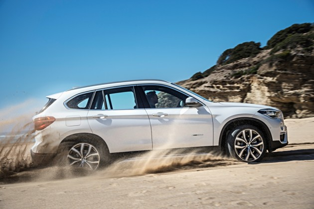 2016 BMW X1 photos side view