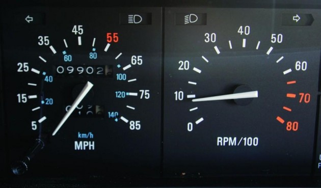 DeLorean DMC-12 speedometer