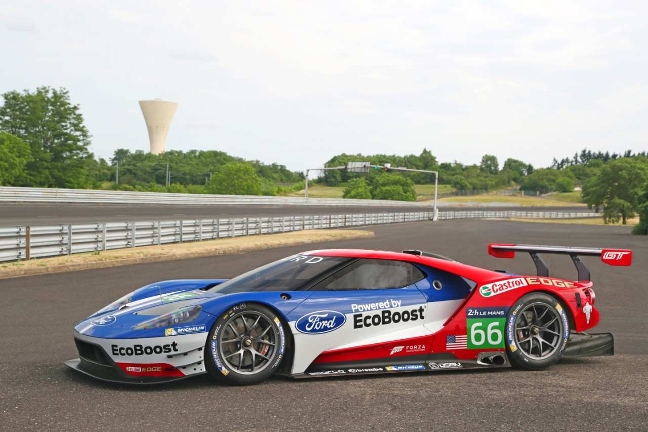 Photos The Ford Gt Race Car Is As Great As We Imagined The News Wheel