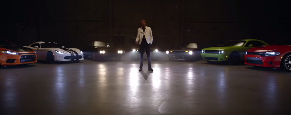 wiz khalifa takes   dodge viper srt   spin       video