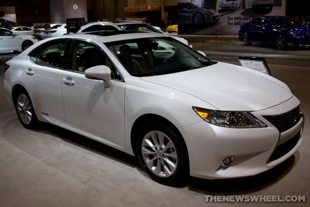 2015 Lexus ES Hybrid Chicago Auto Show