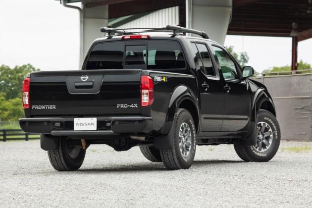 2015 nissan frontier truck rear