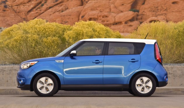 2016 Kia Soul EV side view