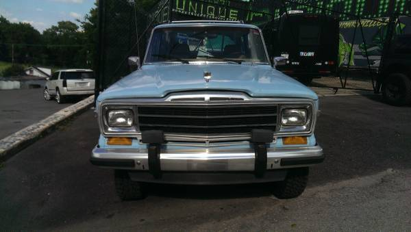 Jake Owen's 1990 Jeep Grand Wagoneer Up For Sale on ...