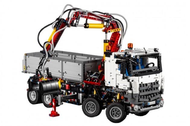 Lego Mercedes Truck