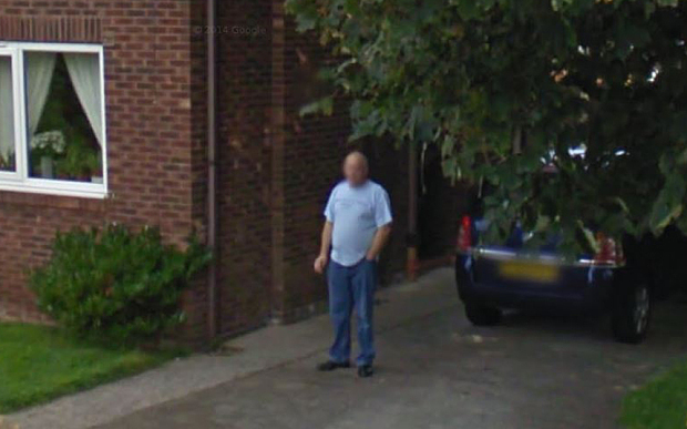 Google Street View smoking man