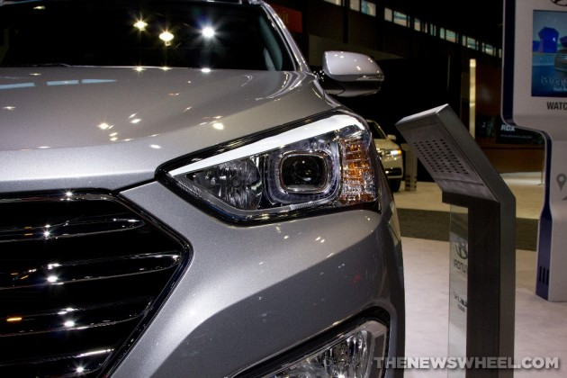 2015 Hyundai Santa Fe at Chicago Auto Show headlight