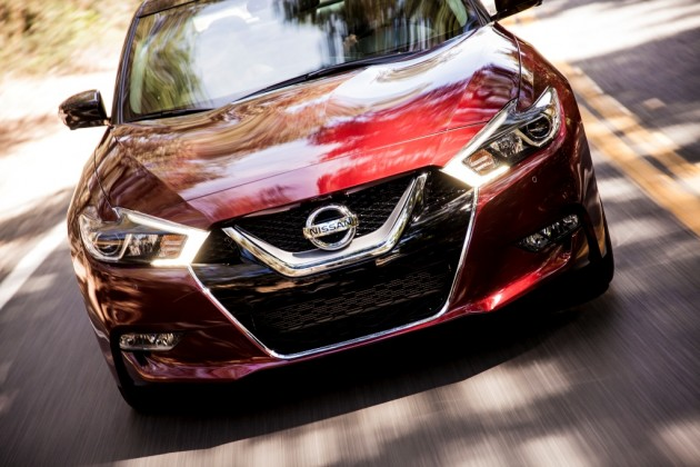 2016 Nissan Maxima Close shot front